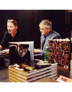 <p>David Hockney en Hilde Peleman van Copyright Bookshop<br /> Foto's Gerald Dauphin</p>