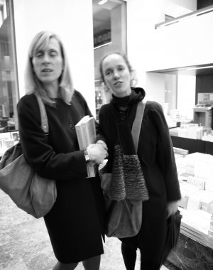 <p>Muriel Verbist (uitgeverij Luster) en Madeleine Wermenbol (graphic designer)</p>