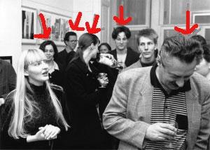 <p>Van links naar rechts: architecten Hilde Daem, Xavier Donck, fotografe Hilde Dhaeyere, Dirk, partner van architecte Martine De Maeseneer, Marc De Cock (toen voorzitter Vereniging voor het Museum van Hedendaagse Kunst, Gent)</p>