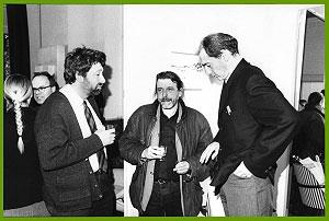 <p>Links architectuurrecensent Marc Dubois, in het midden kunstenaar-architect Luc Deleu</p>