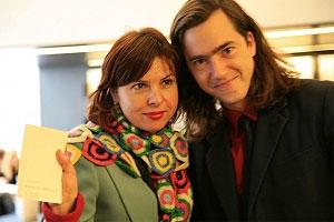 <p>Jan De Cock en journaliste Nika Broucke, hoofdredactrice 'Elle' België</p>