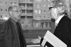 <p>Links: dhr. Beke, toen burgemeester van Gent. Rechts: Stéphane Beel</p>