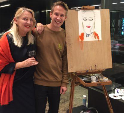 <p>Hilde Peleman en haar portret door Jarno Kettunen</p>