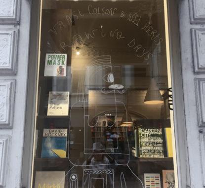 <p>De vitrine van Copyright door Nel Aerts en Vaast Colson</p>