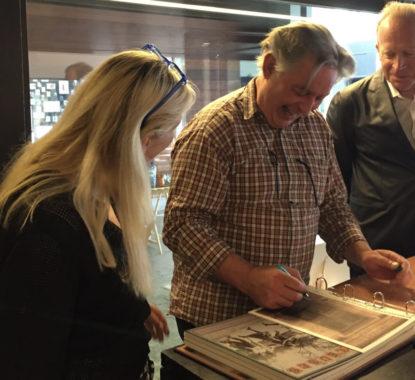 <p>Patrick Van Caeckenbergh met Hilde Peleman en Dirk Vandekerkhove.</p>
